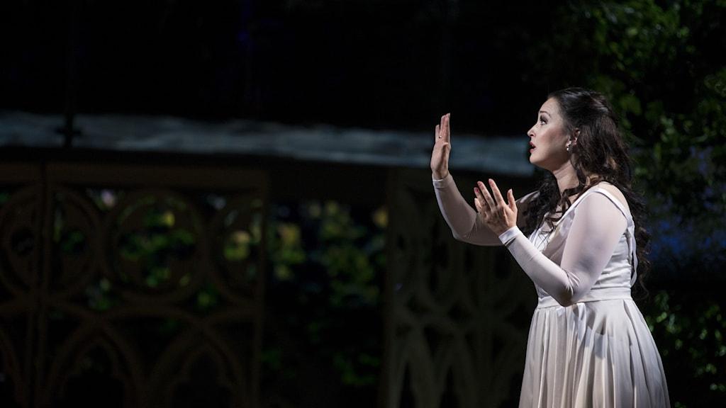 Den blinda prinsessan Jolanta (Olga Shcheglova) i Tjajkovskijs opera på Kungliga operan i Stockholm.