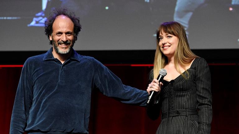 """Luca Guadagnino och Dakota Johnson, regissör för och huvudrollen i """"Suspiria""""."""