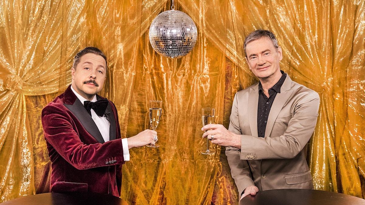 """David Sundin och Christer Björkman kommer att guida tittarna i programmet """"Eurovision: Inför ESC""""."""