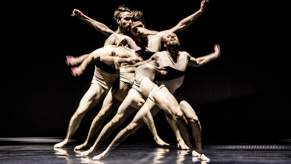 """""""Storm"""" av Stijn Celis är ett av två verk i Göteborgsoperans dansföreställning """"Iconoclasm"""""""