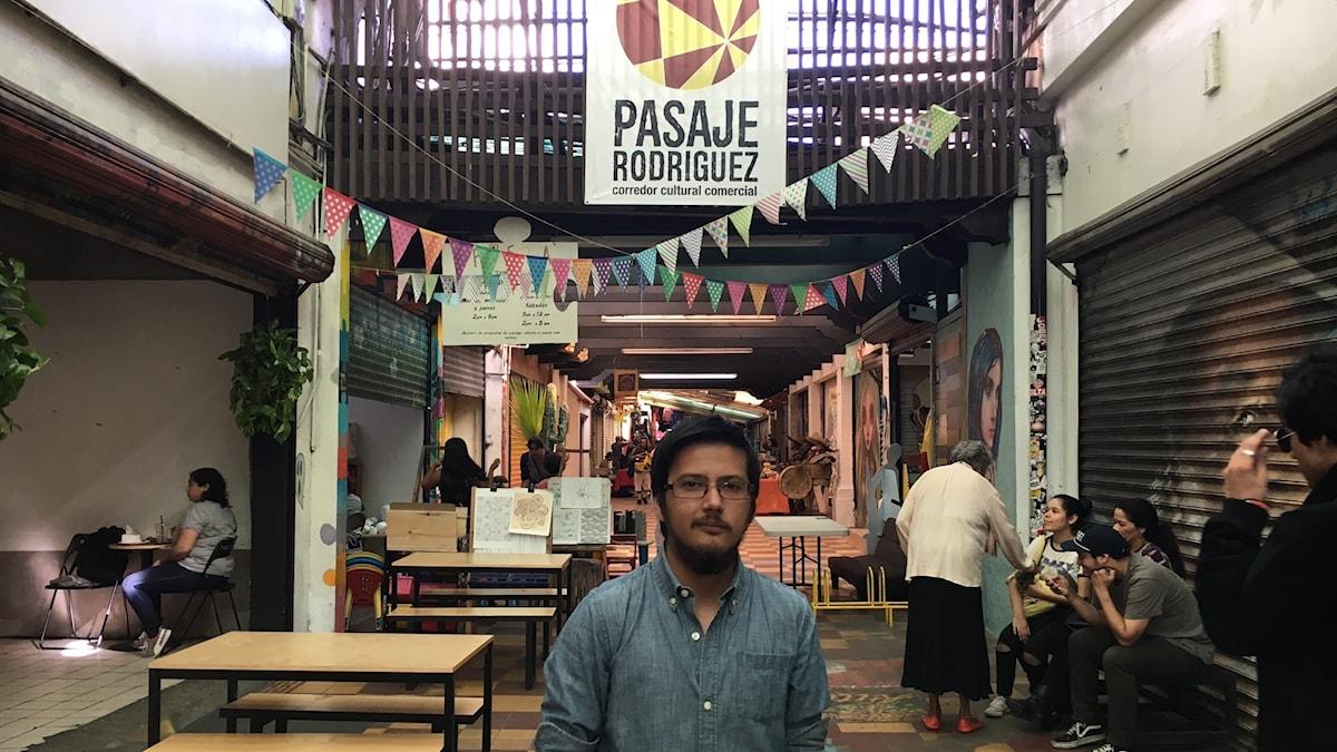 René Castillo driver den lilla bokhandeln El Grafógrafo i Tijuanas centrum.