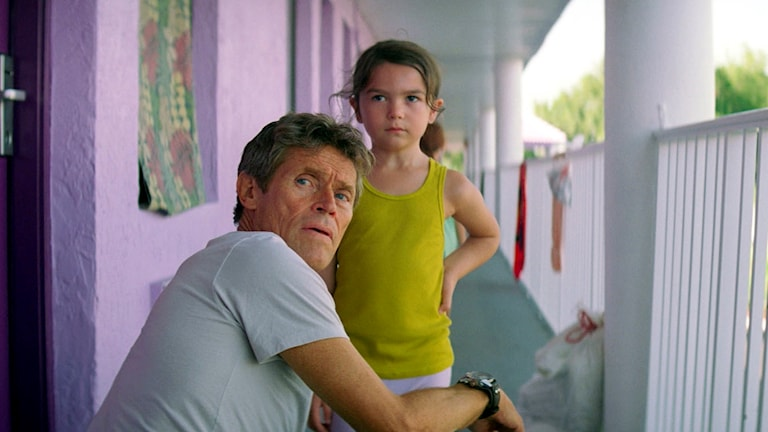 "Willem Dafoe och Brooklynn Prince i ""The Florida project""."