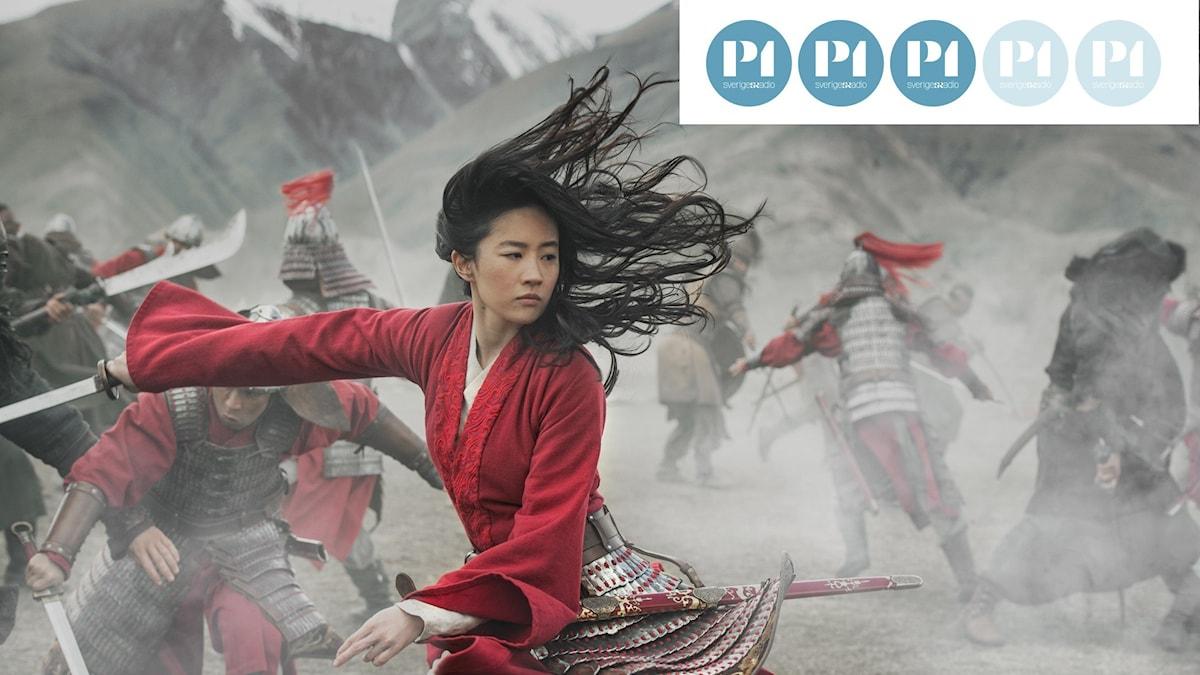 Bilden föreställer en scen från filmen Mulan med betyg tre av fem.