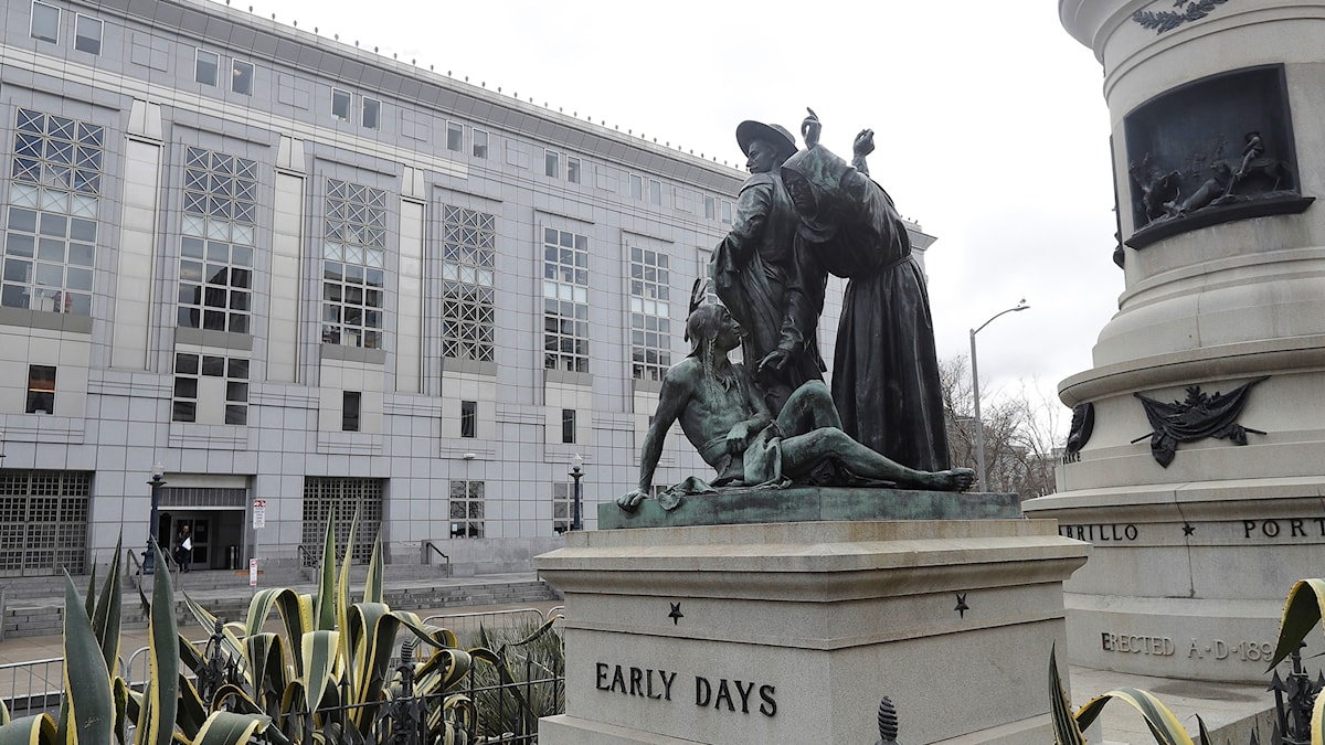 Statyn Early days i San Francisco som nu ska tas bort.