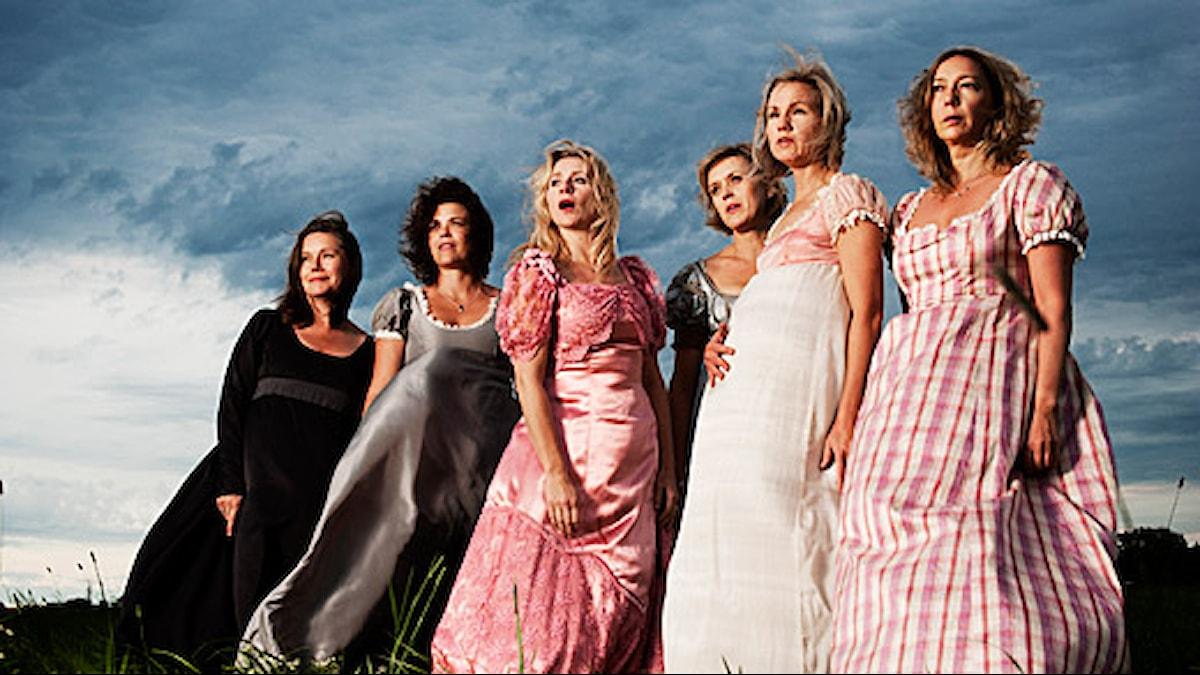 På bilden från vänster: Anneli Dufva, Paula McManus, Sylvia Rauan, Sofia Fredén, Tova Magnusson, Malin Cederbladh.