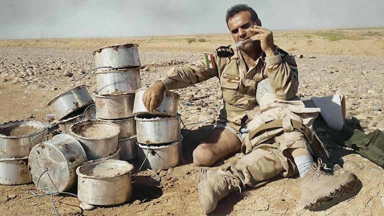 """Fakhir Berwari i dokumentären """"The Deminer""""."""