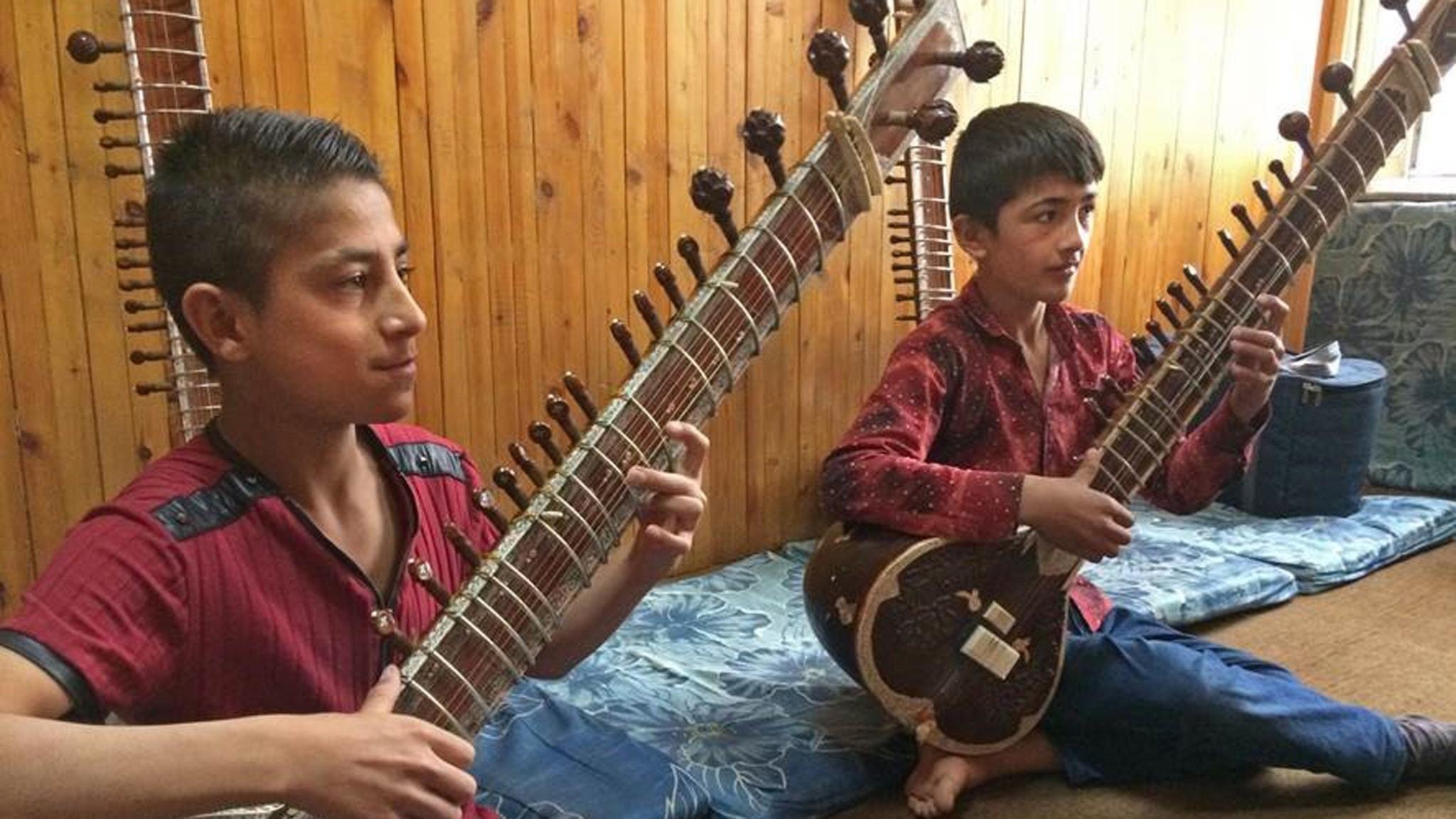 Prisat musikinstitut i Afghanistan trotsar bombdåd