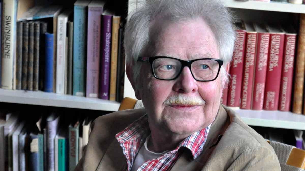 """Göran Sommardal har läst """"Mitt poetiska liv"""" av Gunnar Harding. Foto: Paula Tranströmer"""