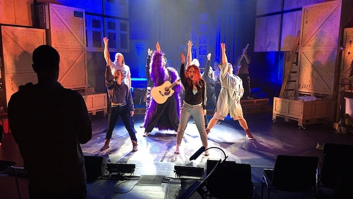 Ensemblen i Godspell på Malmö Opera. Foto: David Richter/Sveriges Radio