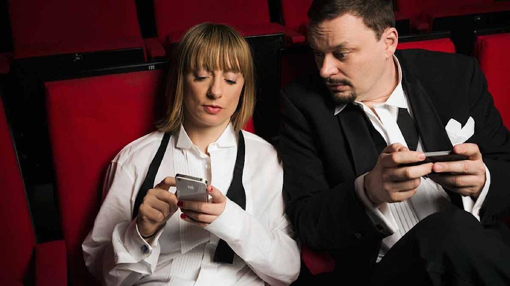 Lisa Bergström och Roger Wilson. Foto: Sveriges Radio