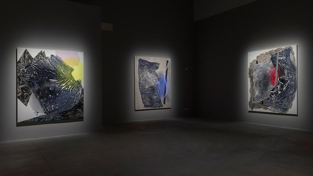 Tre verk av Sigrid Sandström.