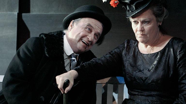 """Göran Graffman tillsammans med Solveig Ternström i """"Farmor och vår herre"""" 2003. Foto: Pressbild"""