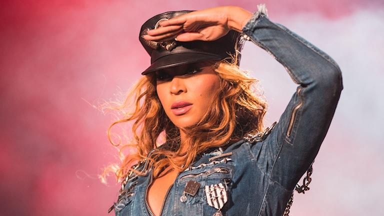 Beyoncé protesterar mot polisvåld. Foto: AP/TT