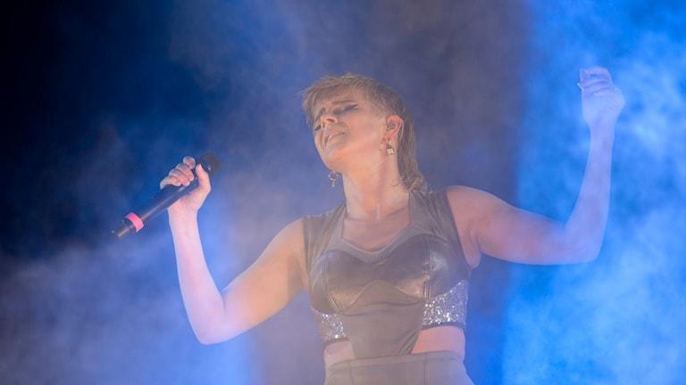 Robyn och Röyksopp spelar på musikfestivalen Way Out West.  Foto: Björn Larsson Rosvall/TT.