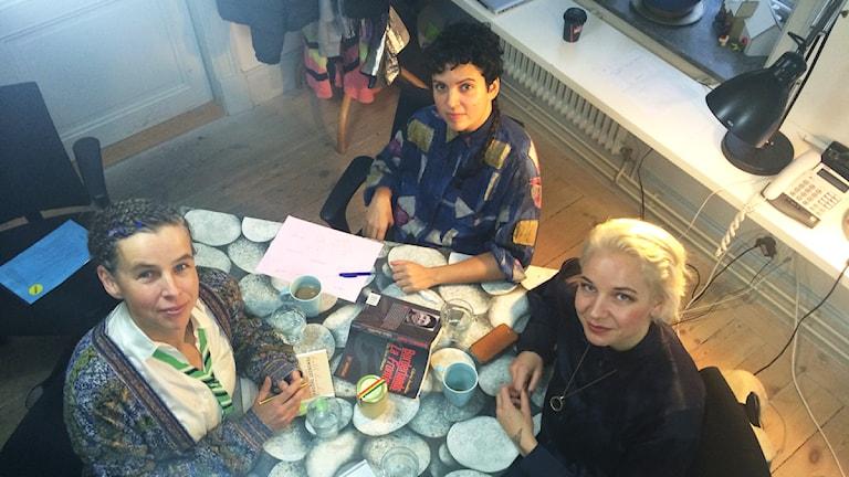 Katarina Bonnevier, Mariana Alves och Thérèse Kristiansson. Foto: Hugo Rennéus / Sveriges Radio.