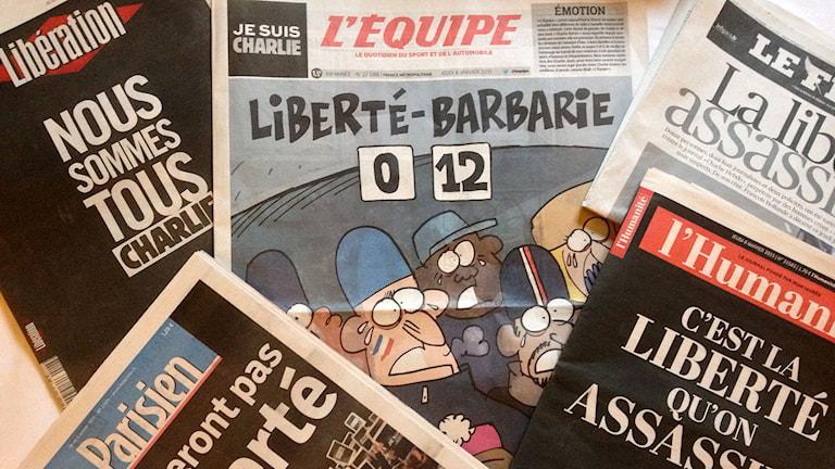 Fransk press dagen efter attentatet mot Charlie Hebdos redaktion. Foto: Roger Wilson/SR