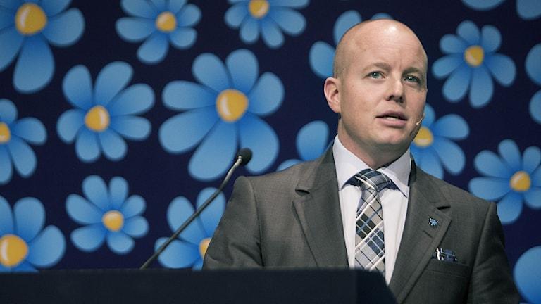 Björn Söder talar på Sverigedemokraternas Kommun- och landstingskonferens på ACC i Västerås. Foto: Per Groth / TT