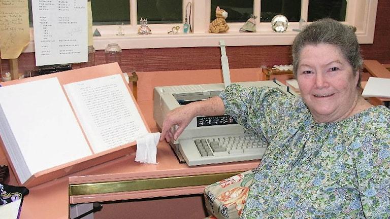 Författaren Colleen McCullough död 77 år gammal. Foto: AP Photo.