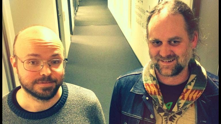 Thåströmfansen Anders Garellik och Gustav Svensson. Foto: Karin Forsmark/SR