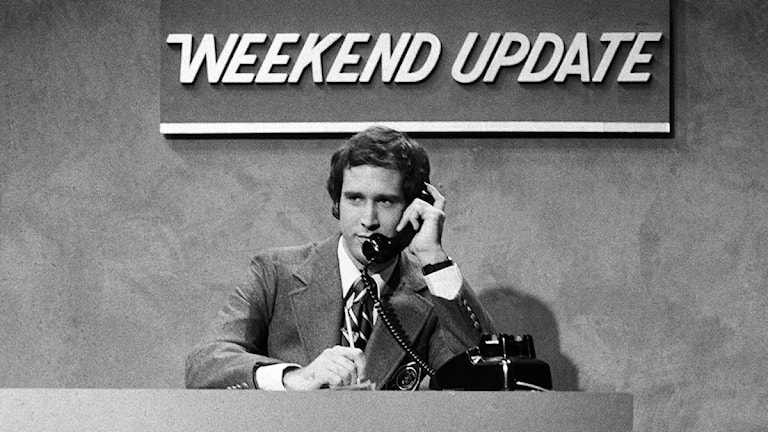 """The Weekend Update"" ur Saturday Night Live 1975 med Chevy Chase."