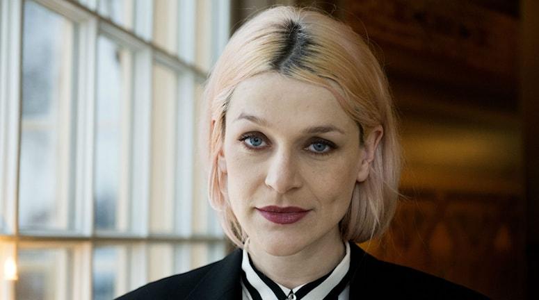 Svenska aristen El Perro del Mar är akutell i tv-serien Girls. Foto: Scanpix