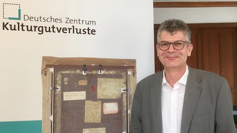 Uwe Hartmann leder proveniensforskningen vid Centret för förlorade kulturföremål som ska ta sig an de stora konststölderna i DDR.