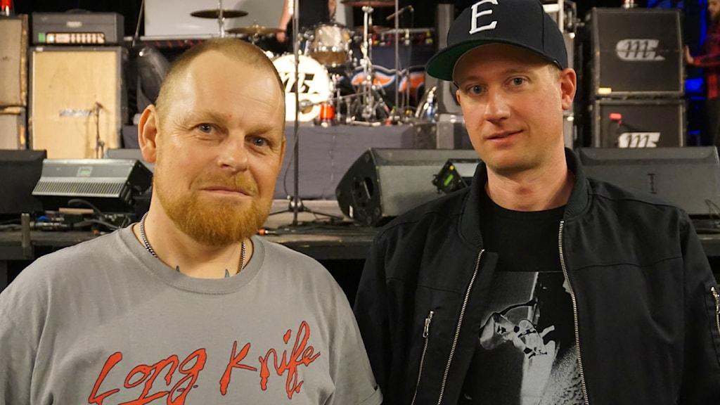 Fredrik Larzon och Erik Ohlsson från Millencolin. Foto: Kalle Kovács