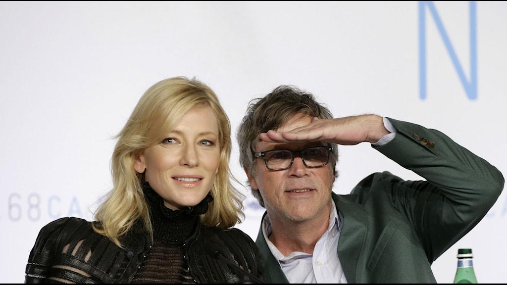 Cate Blanchett och regissören Todd Haynes på presskonferens i Cannes. Foto: Lionel Cironneau/Scanpix
