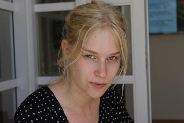 Anna Axfors, själv ung poet menar att de stora förlagen har ett stort ansvar för den unga poesiutgivningen. Foto: Anna Lundvik