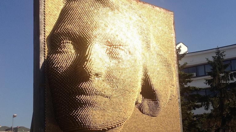 Konstverk i Kosovo