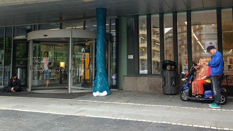 """Biblioteket är ingen ö"""", säger bibliotekchefen Anja Dahlstedt. Bild: Emma Engström"""
