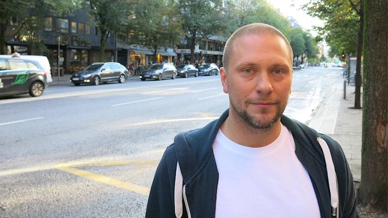 Turnéaktuelle Magnus Betnér. Foto: Björn Jansson/Sveriges Radio.