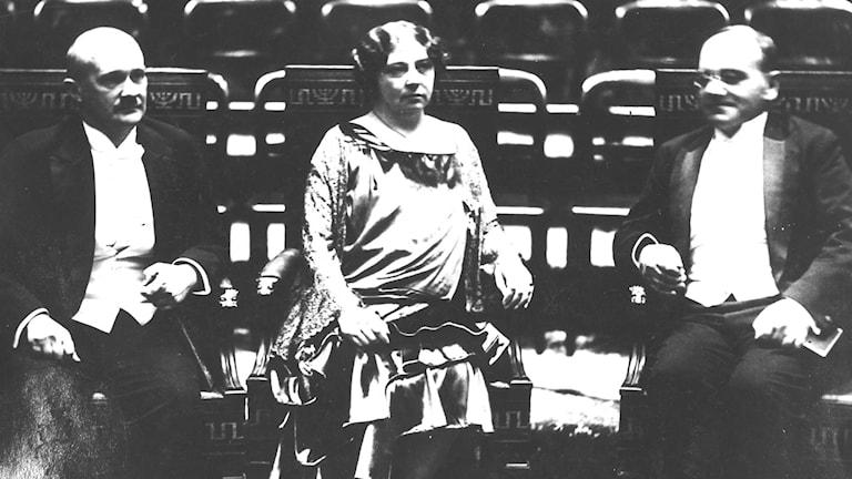 Författaren Sigrid Undset får nobelpriset för romantrilogin Kristin Lavransdotter 1928. Foto: SVT Bild.
