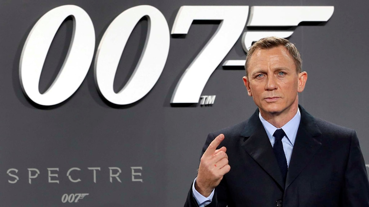 "Daniel Craig (James Bond) på ett event för nya ""Spectre"". Foto: AP Photo/Michael Sohn"