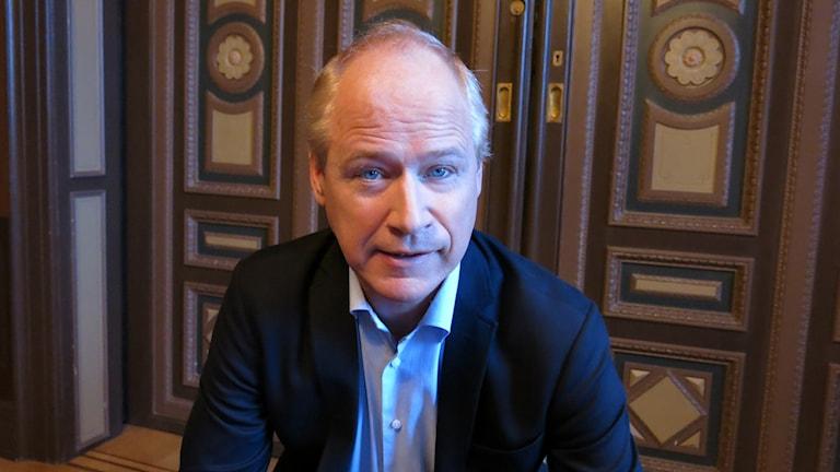 Robert Gustafsson aktuell i En underbar jävla jul. Foto: Björn Jansson/Sveries Radio.