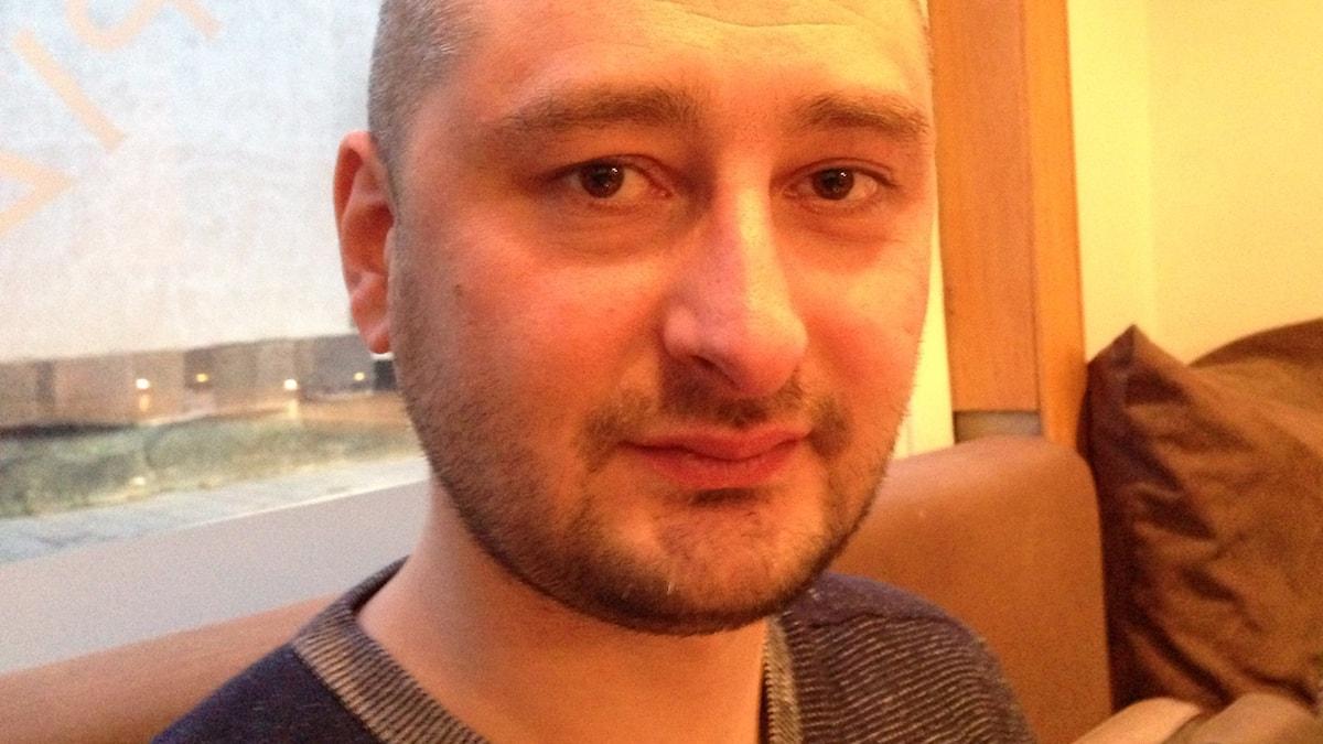 Författaren och journalisten Arkadij Babtjenko på besök i Stockholm. Foto: Fredrik Wadström