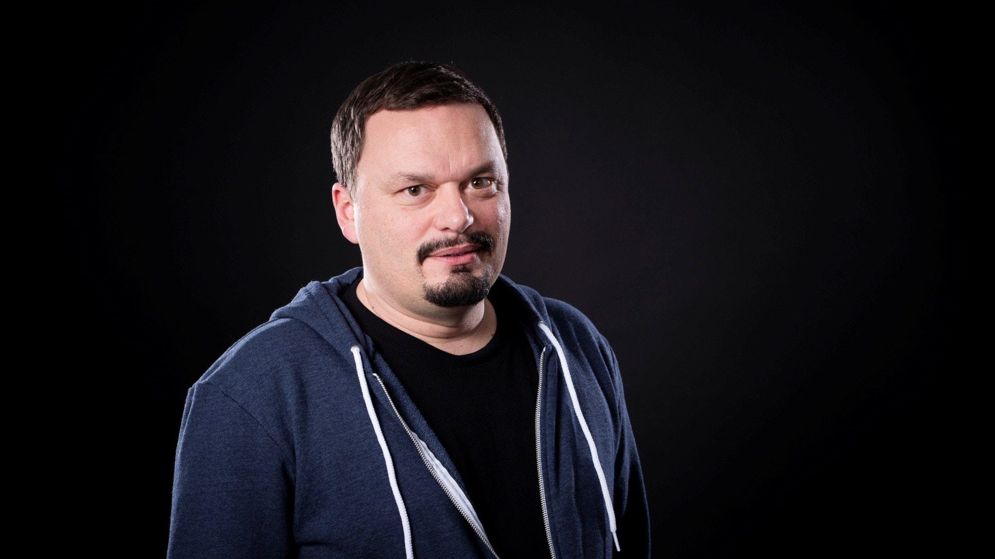 Roger Wilson, programledare P1 Kultur. Foto: Micke Grönberg/Sveriges Radio.