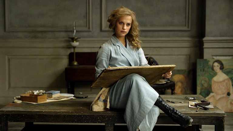 "Alicia Vikander i rollen som Gerda Wegener, i Tom Hoopers film ""The Danish Girl"". Foto: AP/TT."