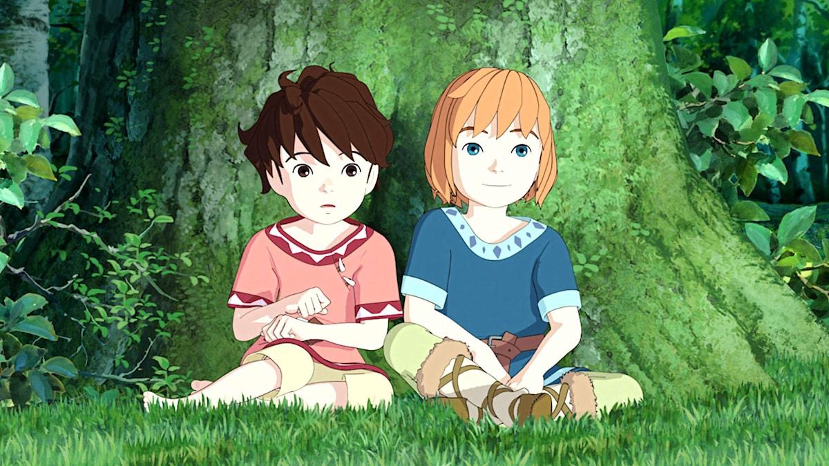 Laura Jonstoij Berg som Ronja och Leon Pålsson Sälling som Birk i Studio Ghiblis Ronja Rövardotter på SVT Barnkanalen Foto: Studio Ghibli