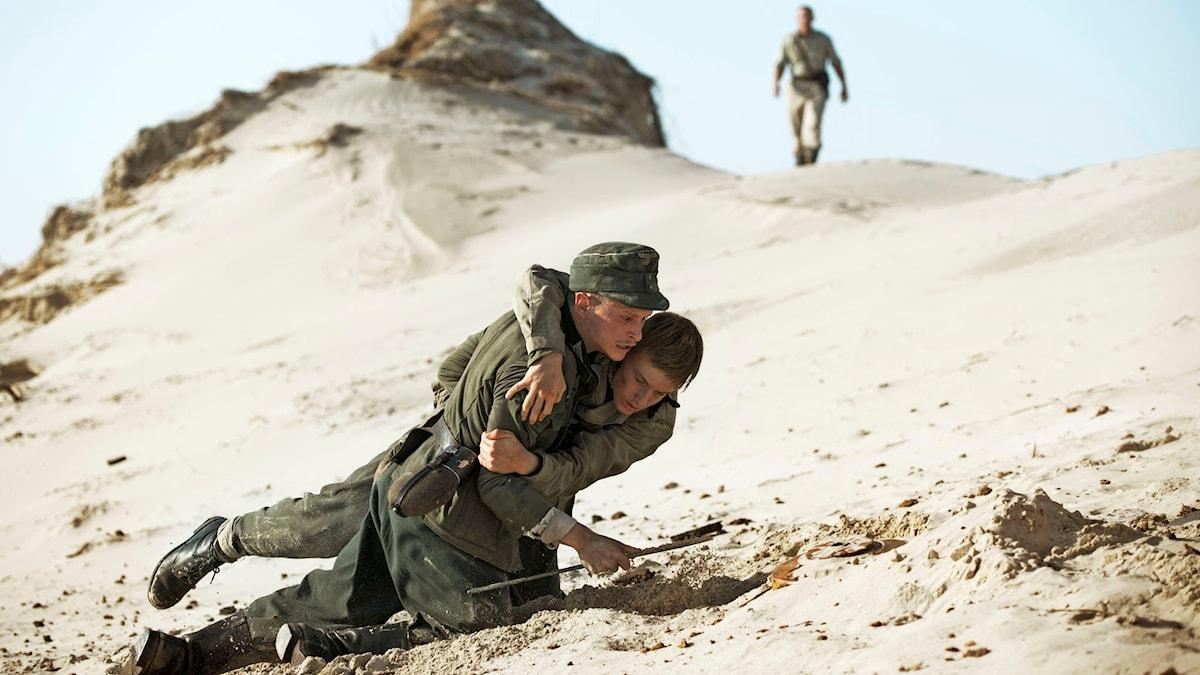"""Från filmen """"Under sanden"""". Foto: Christian Geisnaes."""
