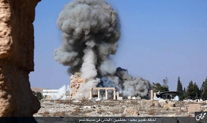 Baalshamins tempel i Palmyra sprängs av IS styrkor. Foto: AP/TT