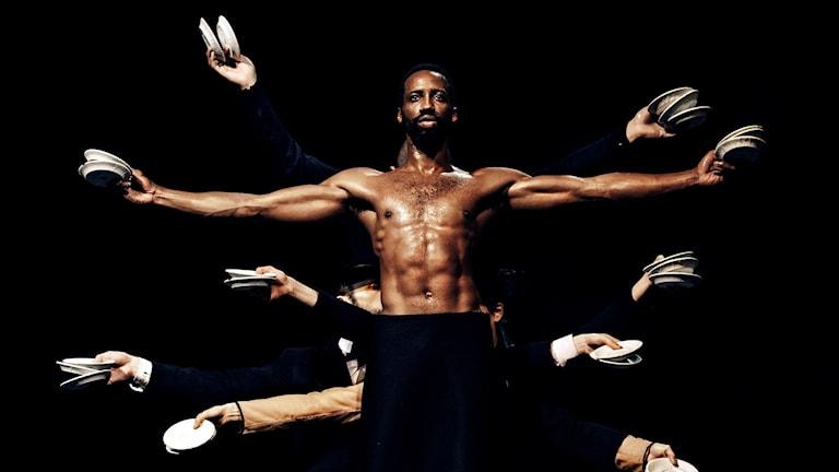 Kungliga Baletten ger Sasha Waltz omtalade dansverk Körper. Premiär 19 februari (2016) På bilden: Clyde Emmanuel Archer