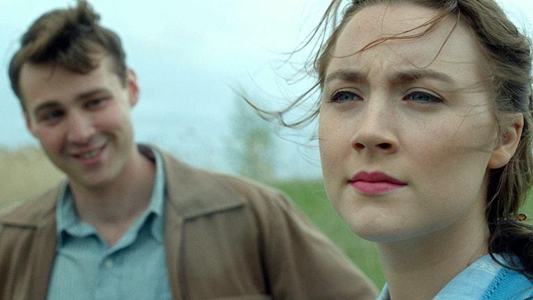 Eilins italienske pojkvän Tony i filmen Brooklyn. Han spelas av Emory Cohen och hon av Saoirse Ronan.