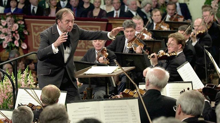 Dirigenten Nikolaus Harnoncourt .