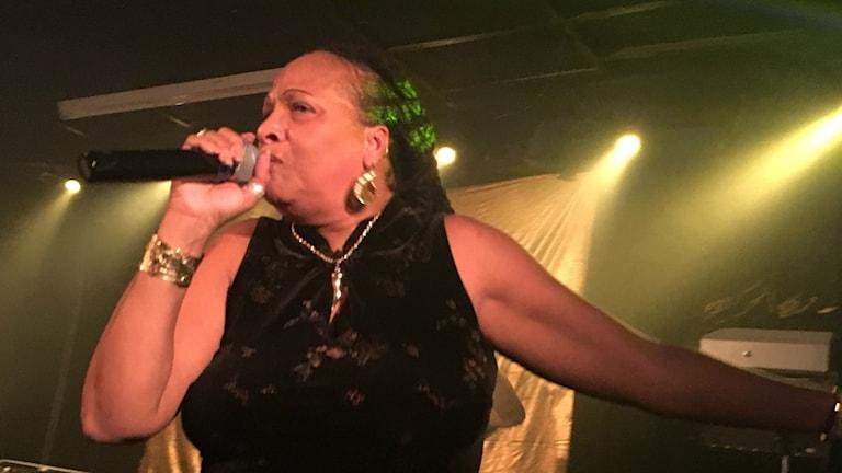 Sister Nancy uppträder i Götborg under sin europaturé. Foto: Linda Walkenström