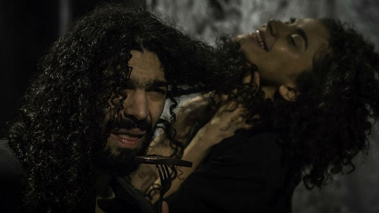 Ramy Essam och Siham Shurafa om mellanförskap i Teater Foratts nya föreställning Smash Up.