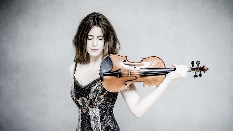 Violinisten Vilde Frang. Foto: Marco Borggreve/Warner Classics.