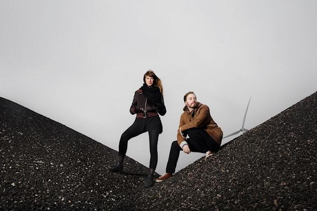 """Frida Ulvegren och Johan Jergner-Ekervik är aktuella med serieromanen """"Jannah - sista året på jorden"""", den första delen i en trilogi."""