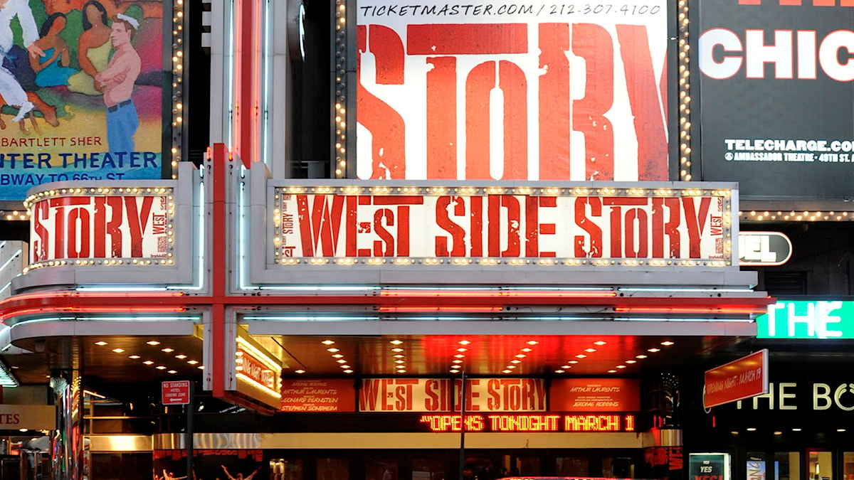 "Opening night of the Broadway musical ""West Side Story"" at The Palace Theatre, in New York, on Thursday, March 19, 2009.  (AP Photo/Peter Kramer)"