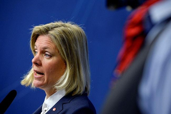 Finansminister Magdalena Andersson (S) presenterar regeringens ekonomiska vårproposition.